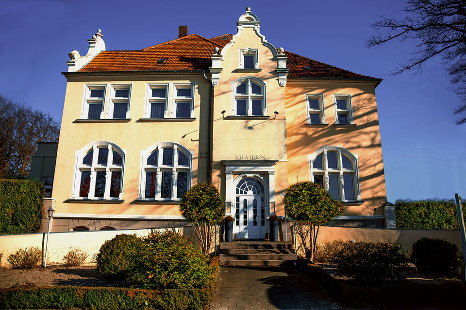 Villa-Feron-Front-Kompr